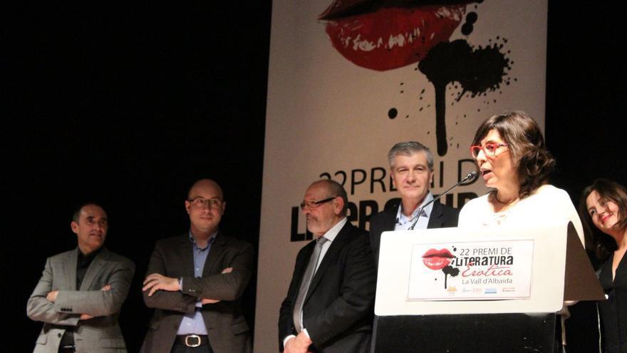 Josepa Sopeña,guanyadora del 22é Premi de Literatura Eròtica La Vall d'Albaida.