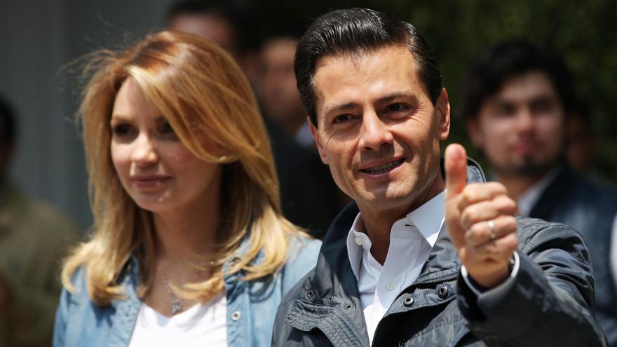 El presidente mexicano Enrique Peña Nieto y su esposa, Angelica Rivera, en junio de 2016