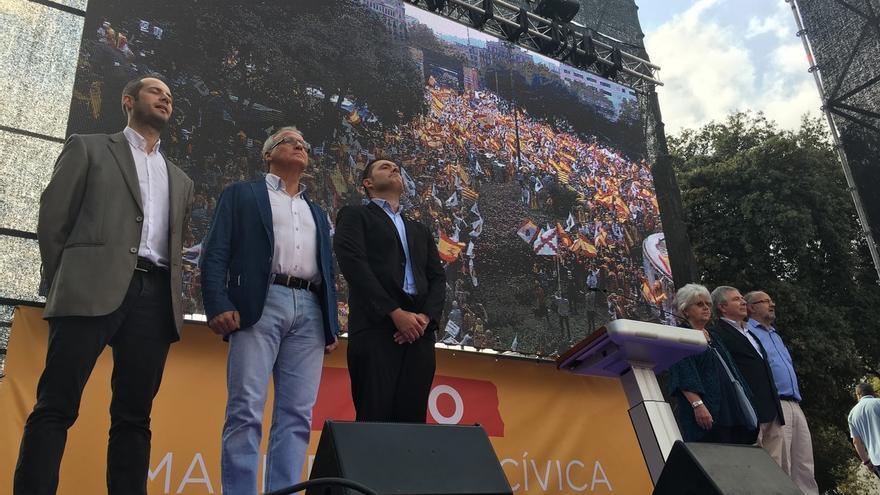 """El manifiesto de la marcha del 12-O en Barcelona defiende """"la convivencia y la ley"""""""