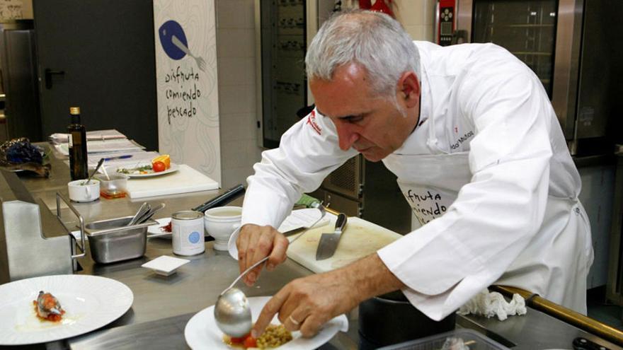 El chef Adolfo Muñoz, en su restaurante de Toledo