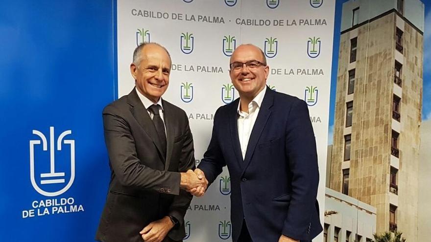 Santiago Sesé, presidente de la Cámara de Comercio, y el presidente del Cabildo de La Palma, Anselmo Pestana.