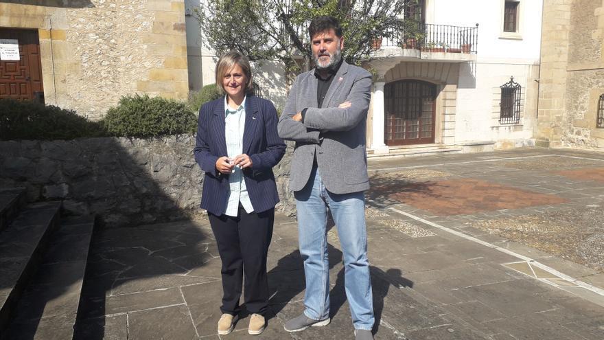 Archivo - Esther Bolado (PSOE) y Héctor Lavín (PRC)