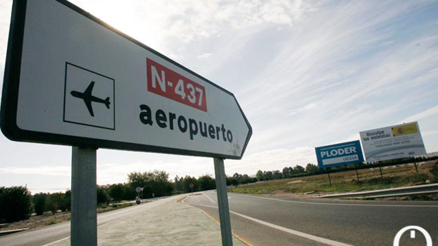 Imagen de los accesos al aeropuerto de Córdoba | MADERO CUBERO
