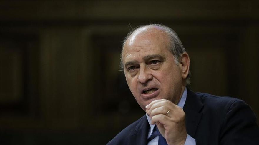 Interior niega tajantemente el espionaje a dos comisarios y un diputado socialista