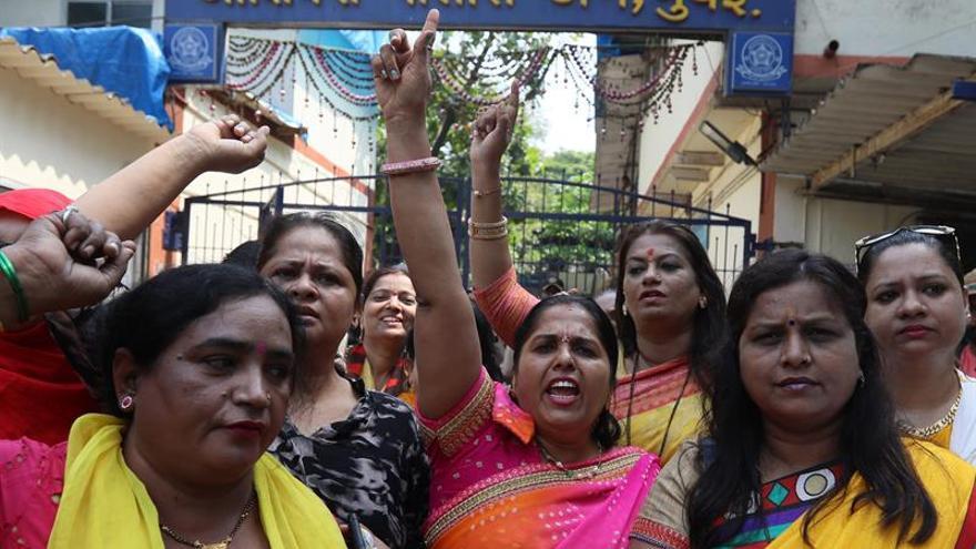 El movimiento #MeToo cobra fuerza en la India más allá de Bollywood