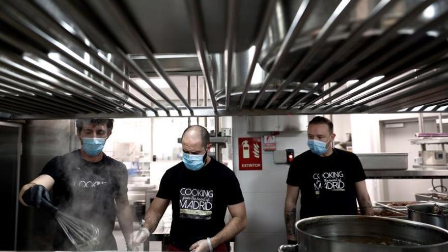 Los fogones del Four Seasons de Madrid se encienden con menús solidarios