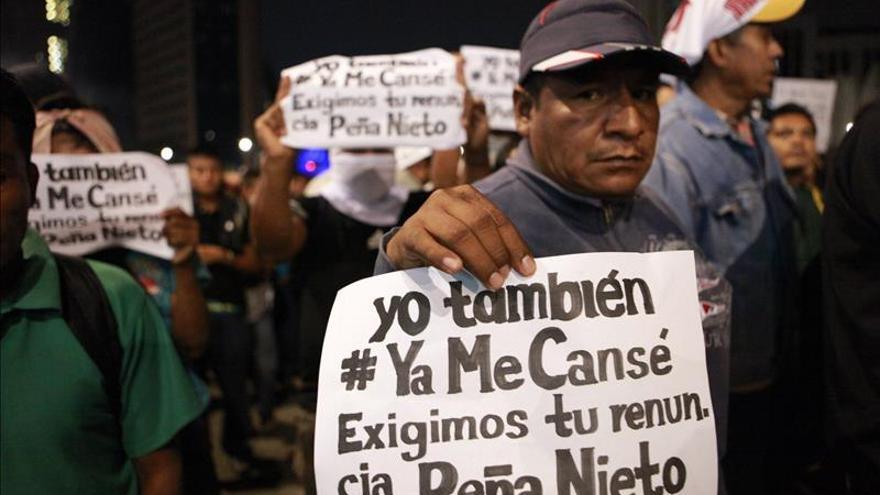 Estudiantes piden renuncia a presidente Enrique Peña Nieto en plazo de 6 días