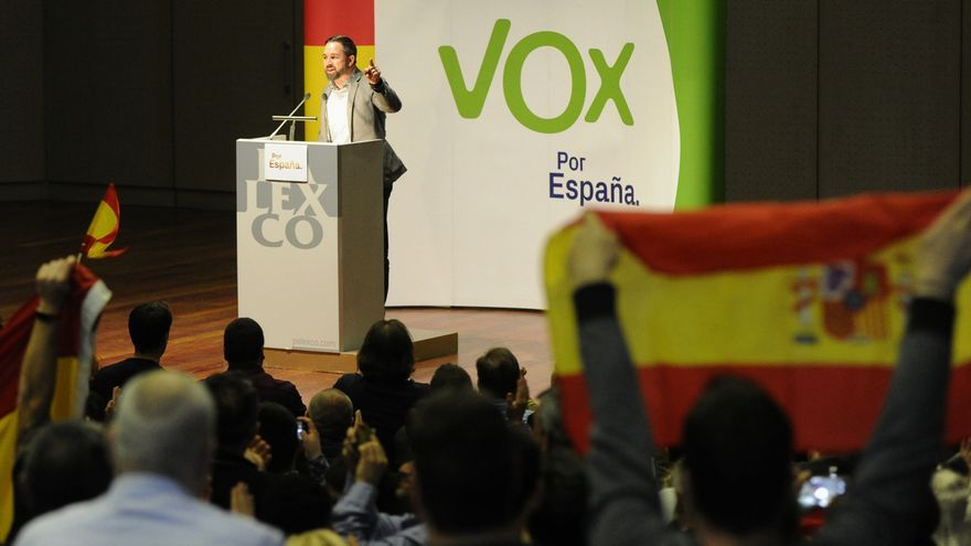 """Abascal apela a """"rescatar"""" a las personas que quieren """"una España unida"""" y a llenar las urnas de """"rojigualdo"""""""