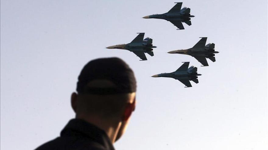 La aviación rusa intensifica los bombardeos contra la localidad siria disputada
