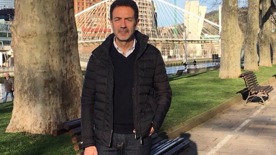 Miguel Lorente posa para la entrevista, en Bilbao.