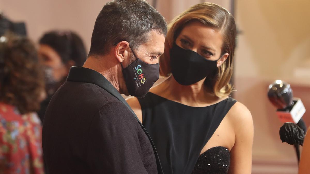 Antonio Banderas y Maria Casado en la alfombra roja de los 35 Premios Goya