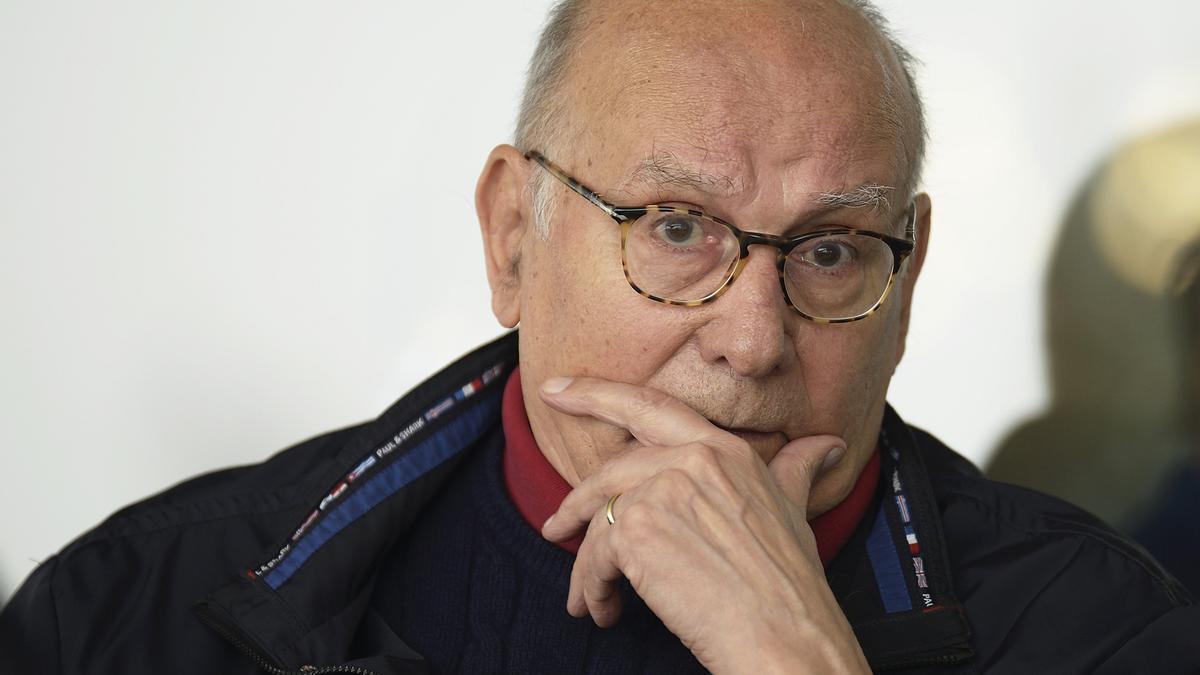 Fotografía de archivo, tomada el 11/11/2015, del director y guionista cinematográfico, Mario Camus, que ha fallecido a los 86 años en Santander