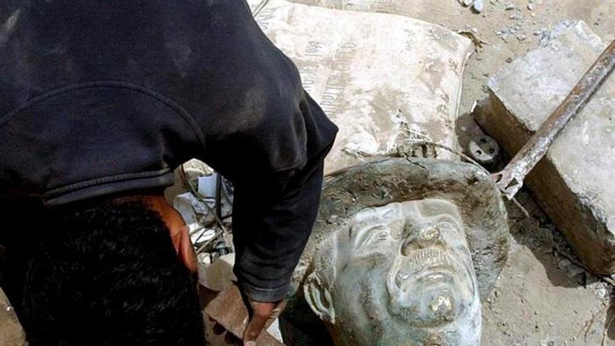 Diez años tras su ejecución, los iraquíes siguen divididos sobre Sadam Husein
