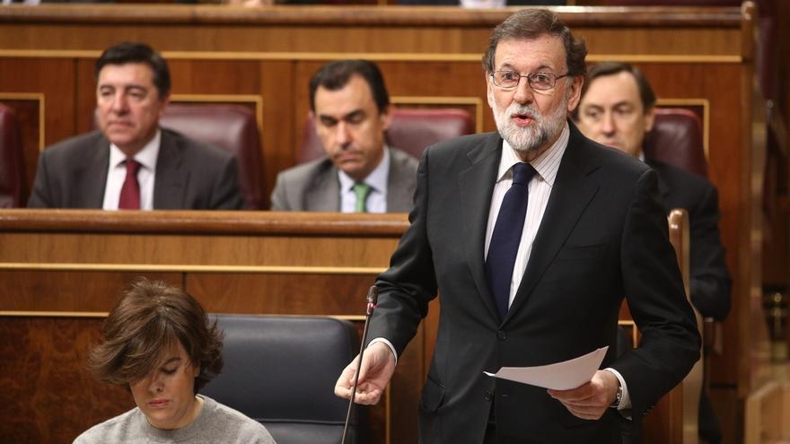 Rajoy defiende que los colegios enseñen los valores de las FFAA y Rufián le acusa de recuperar la educación franquista