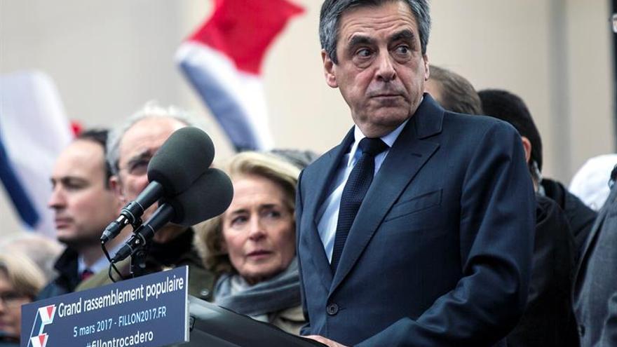 """Fillon denuncia una operación de """"desestabilización política"""" contra él"""
