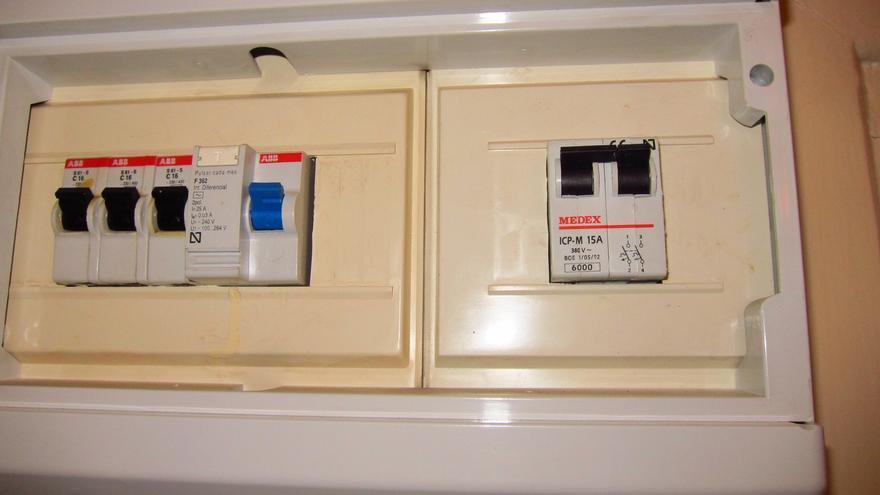 La subasta eléctrica de mañana determinará la revisión de la tarifa de luz en octubre