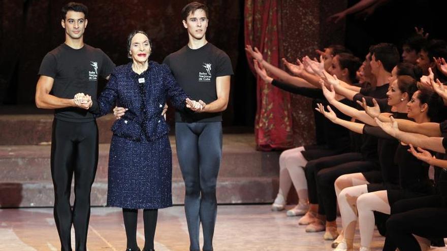 """Alicia Alonso, """"mito y leyenda"""" de la danza clásica del siglo XX"""