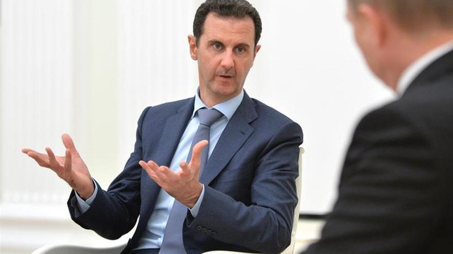 Al Asad aparece en una reunión con empresarios tras los rumores sobre su salud