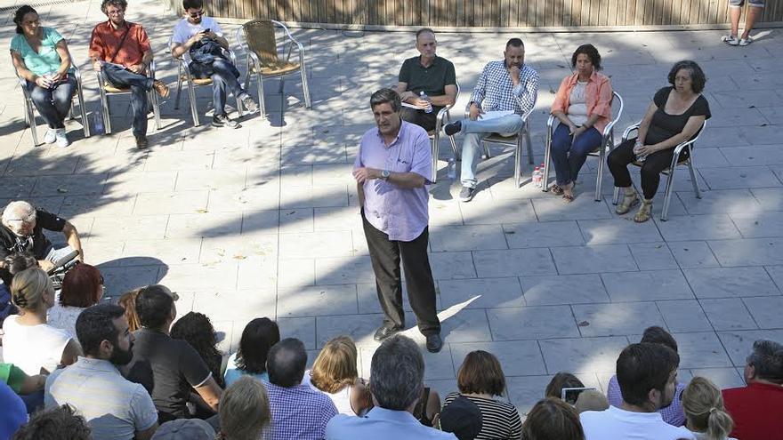 Javier Doreste, en la asamblea celebrada este jueves por la tarde en el Parque Doramas. (ALEJANDRO RAMOS)