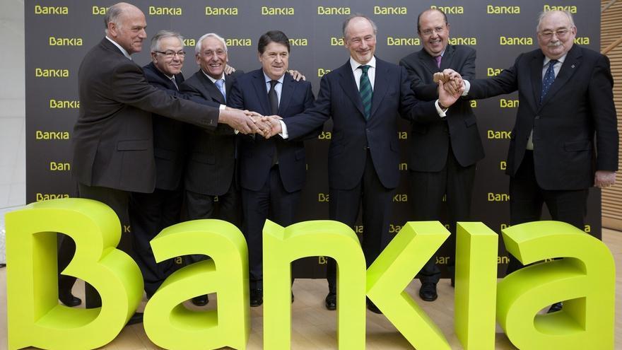(Amp.) El Estado y Bankia asumirán un coste aproximado de 600 millones en indemnizaciones por la OPV