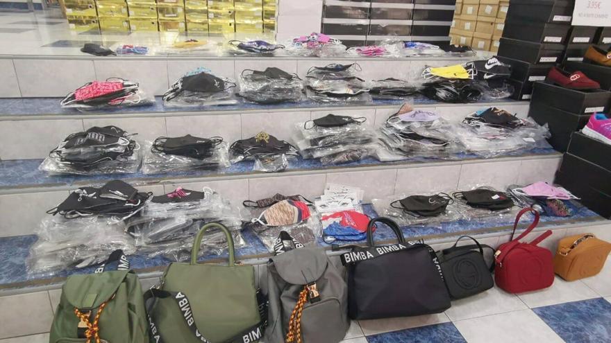 Intervenidas unas 1.200 mascarillas falsificadas en una tienda en Santa Cruz de Tenerife