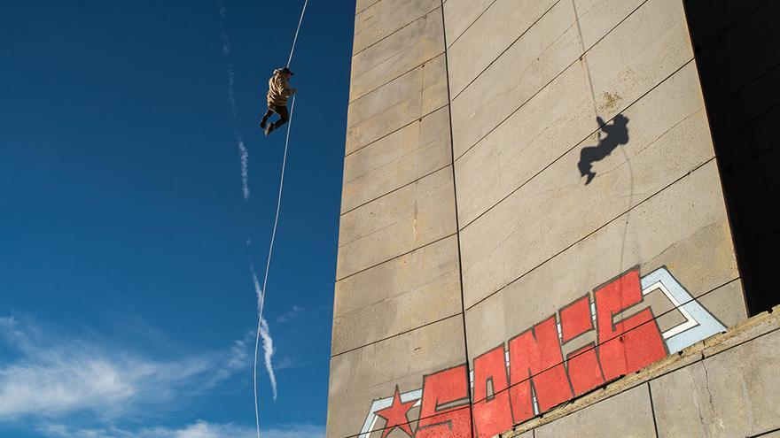El descenso del monumento Buzlfudja fue una de las escenas más difíciles de rodar