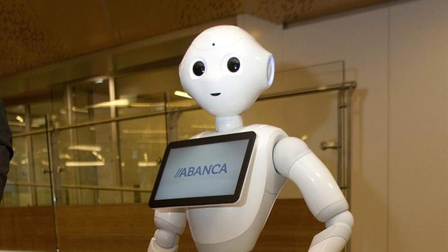 El primer robot capaz de colaborar en un banco llega a Vigo con Abanca