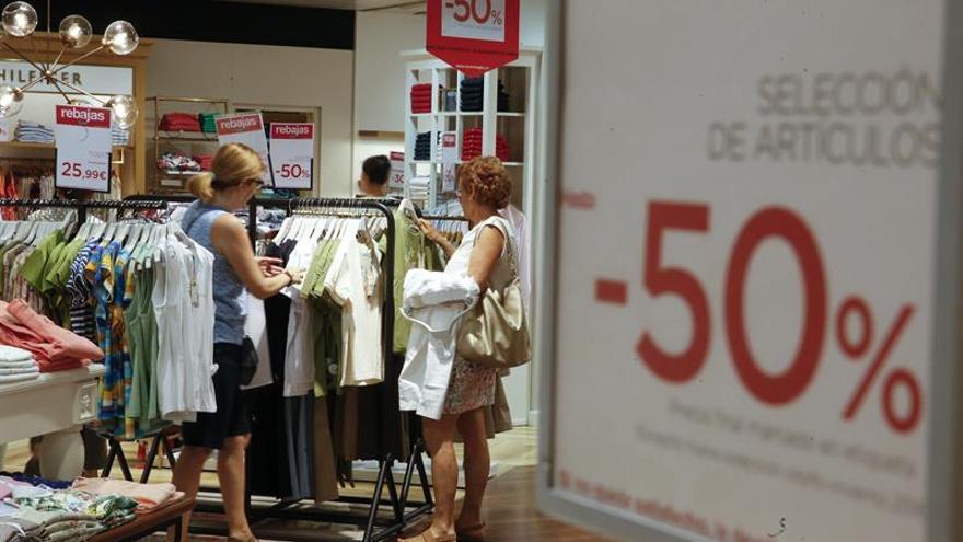 La campaña de rebajas generará 155.500 empleos, un 7 % más, según Adecco