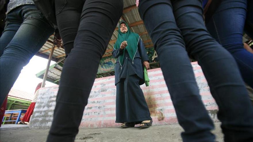HRW denuncia pruebas de virginidad para las reclutas de la Policía indonesia