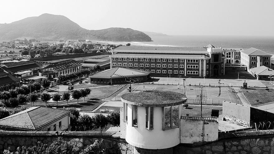 Vista del penal de Santoña. | ALFONSO BENAYAS