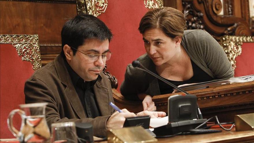 Gerardo Pisarello i Ada Colau a l'Ajuntament de Barcelona