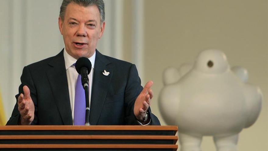 Santos dice en The Wall Street Journal que trabaja con el Congreso para implementar el nuevo acuerdo de paz