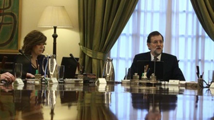 Mariano Rajoy y Soraya Sáenz, en consejo de ministros.