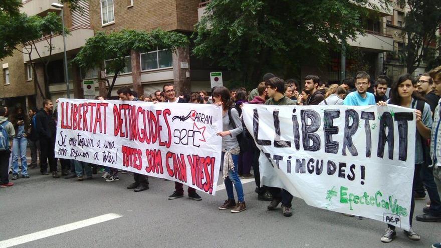 Concentración por la libertad de los detenidos tras las protestas por Can Vies. (Alternativa Jove)
