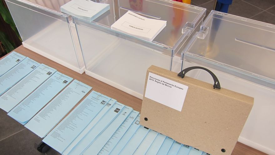 El censo para las elecciones municipales en Andalucía presenta mayoría femenina, con 163.649 mujeres más