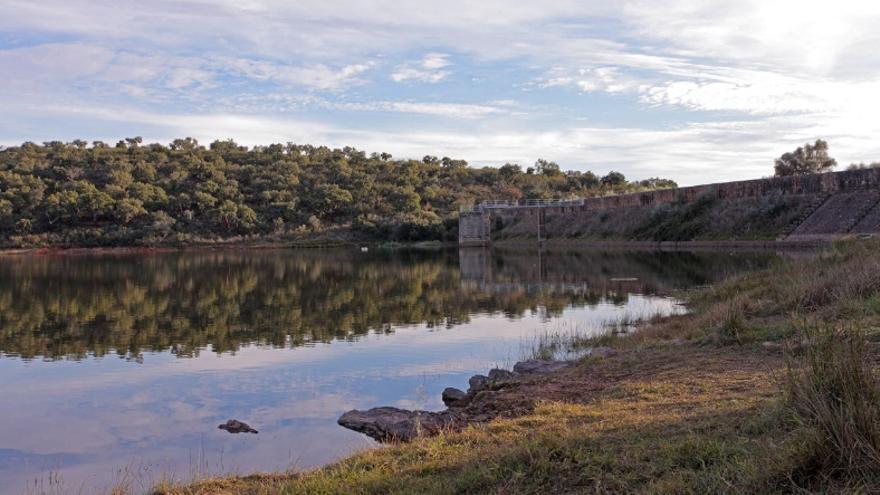 Presa de Cornalvo / Turismo Extremadura