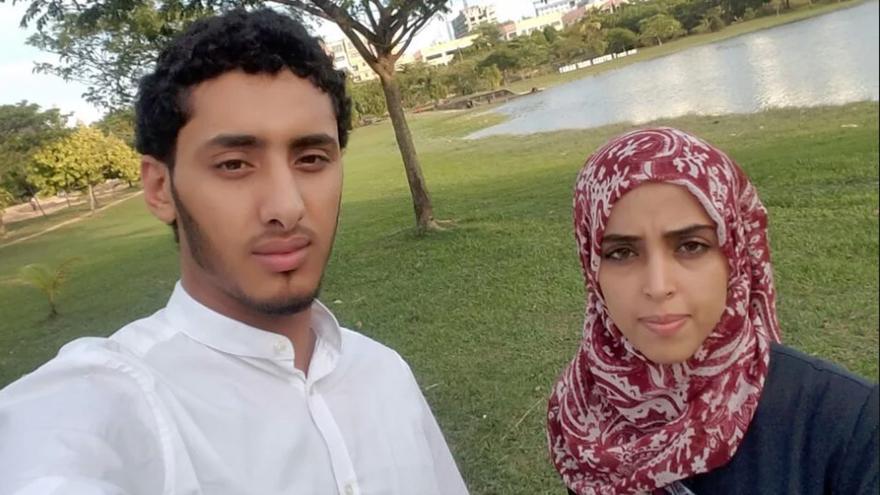 Nagi Ali y Arwa al-Abili en Kuala Lumpur, antes de que el veto migratorio pusiera en peligro su proyecto de casarse.