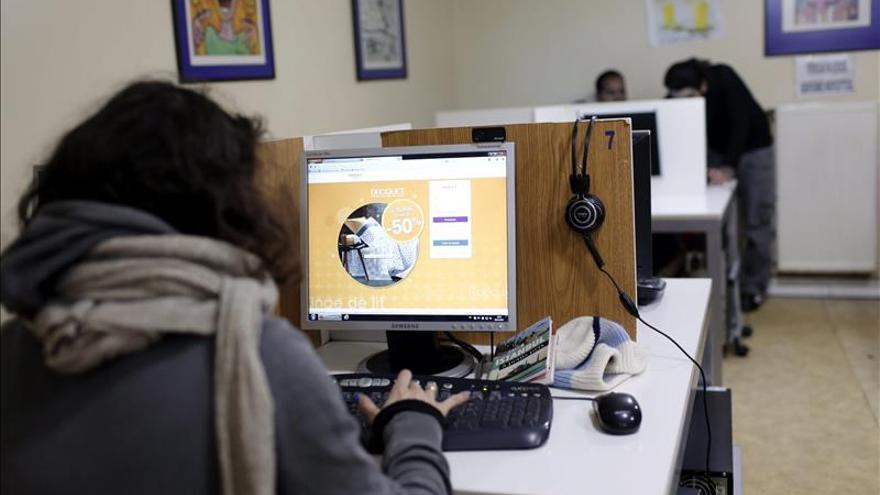 El EI exige a cibercafés cesar suministro de wifi a los vecinos de Al Raqa