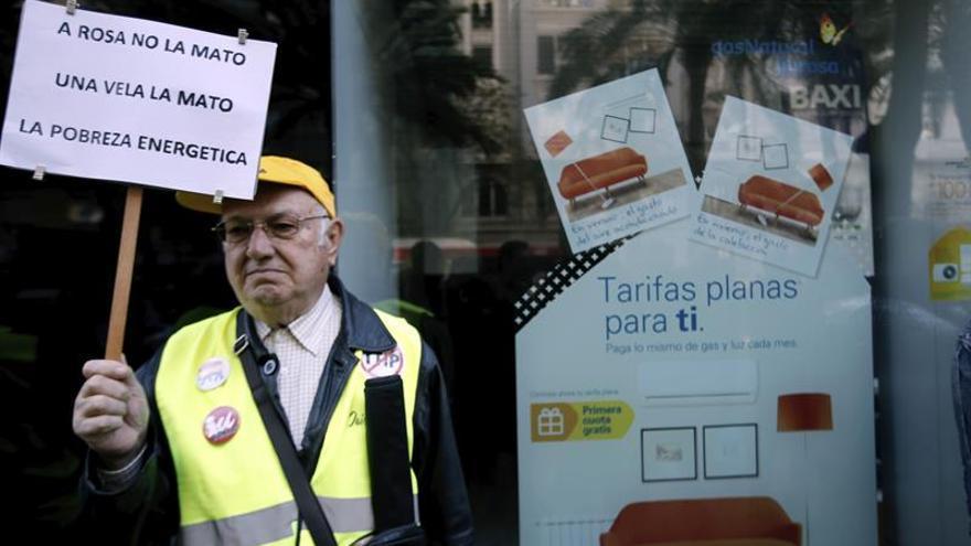 """Llaman a hacer un """"apagón"""" y manifestarse hoy contra la pobreza energética"""