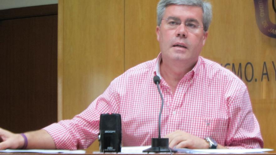 """Fernández de Moya descarta la asistencia de alcaldes del PP a la """"representación teatral"""" contra la reforma local"""