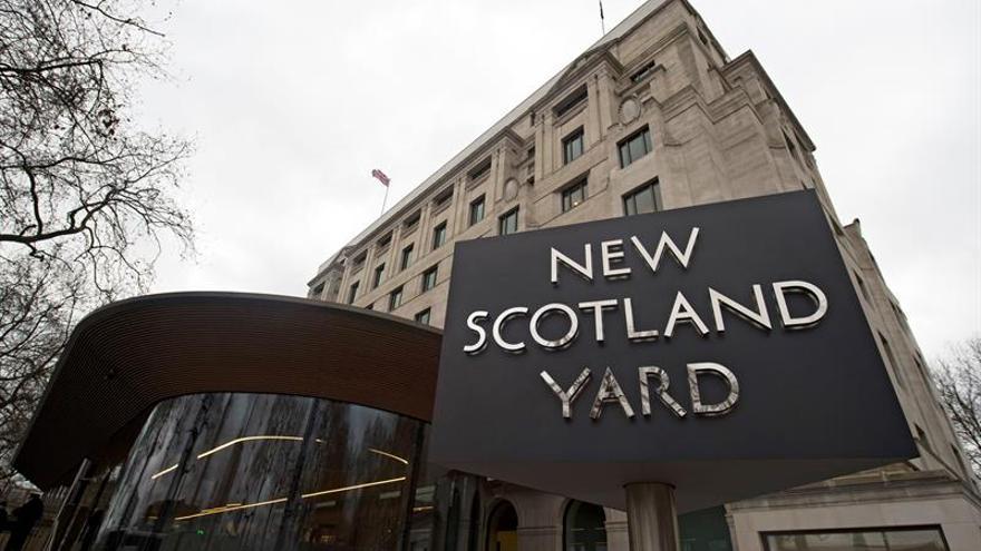 Una adolescente de 17 años es acusada de delitos de terrorismo del EI