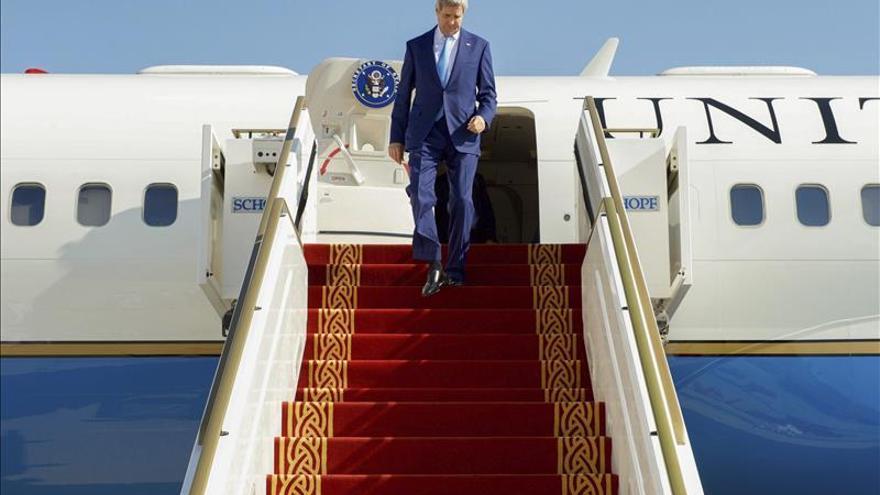 Kerry se entrevista con Netanyahu y Abás en una  visita relámpago a la zona