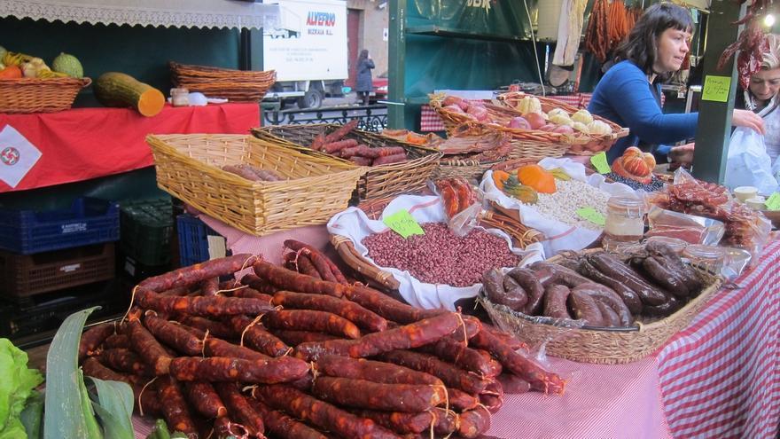 El Mercado de Santo Tomás reúne a miles de personas en Bilbao