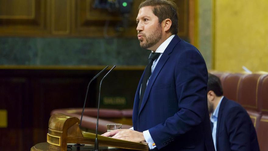 El ya exdiputado de Vox Carlos Hugo Fernández-Roca Suárez, en la tribuna del Congreso