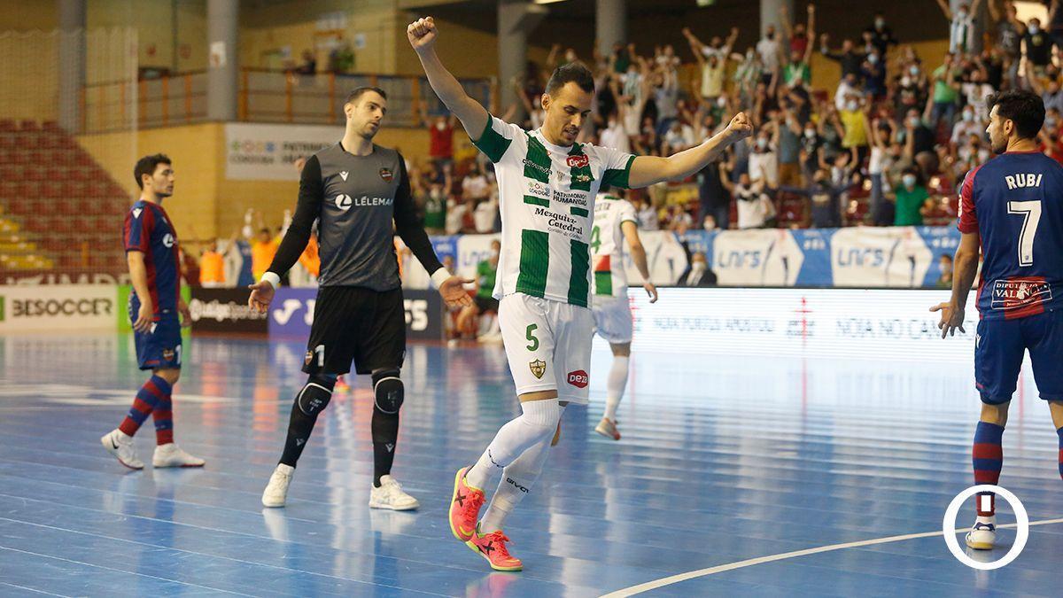 Boyos celebra un gol ante el Levante