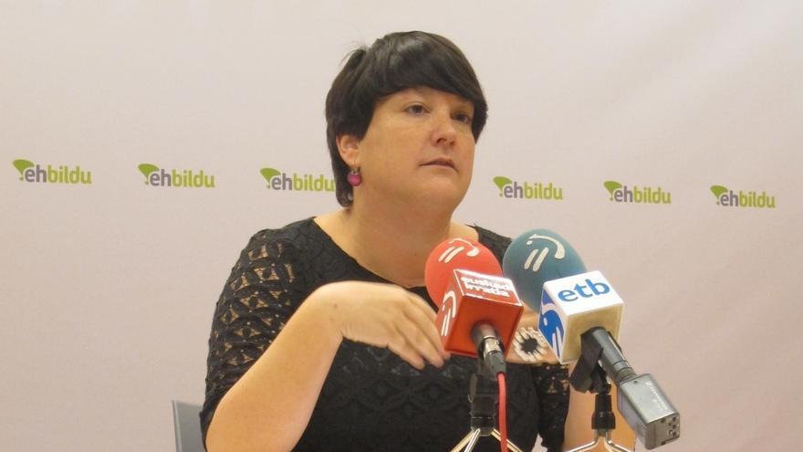 """EH Bildu dice que la independencia """"es mucho más"""" que """"algo para que hagamos versos y bailemos danzas vascas"""""""