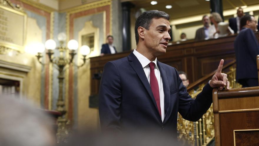 Sánchez responderá este miércoles en el Congreso a preguntas sobre su gestión, la crisis catalana y la memoria histórica