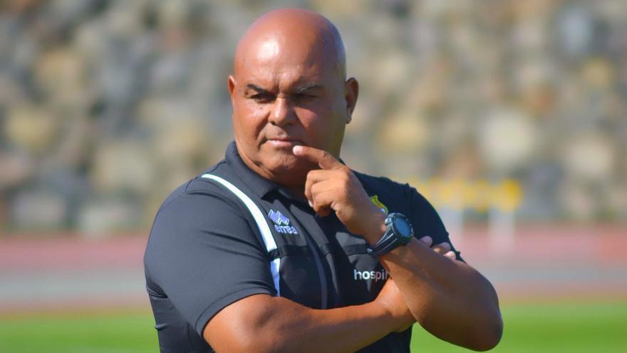 Entrenador de la UD Granadilla Tenerife.