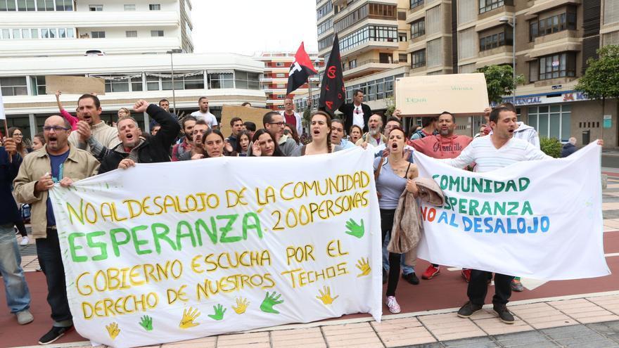 Concentración de la comunidad 'La Esperanza' (Alejandro Ramos)