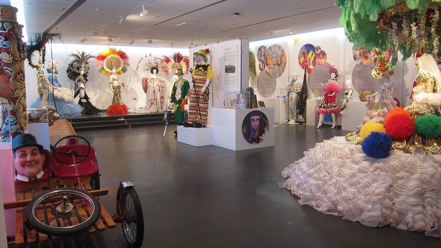 Sala de exposición de la Casa del Carnaval de Santa Cruz